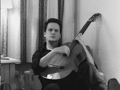 Listen to Mark Kozelek (Sun Kil Moon)'s new song about dreaming of touring with Elliott Smith